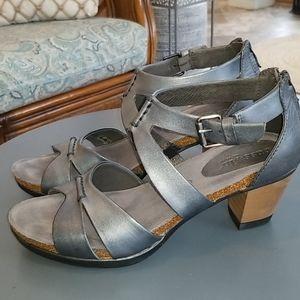 BUSSOLA Leather Sandals